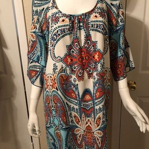 Paisley print dress with slit in sleeves